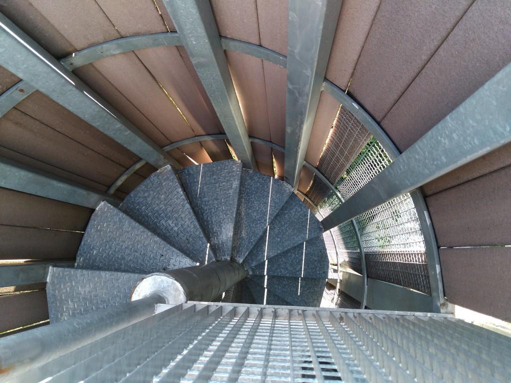Escaleras de caracol del museo de estelas de Abaurrea Alta