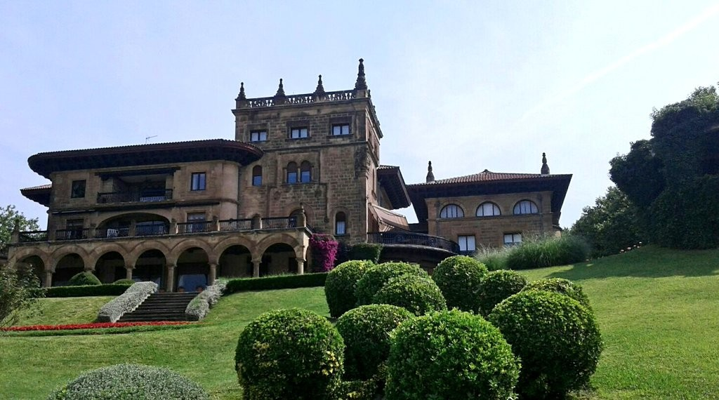 Palacio Lezama Leguizamon, Getxo, Paseo de las grandes villas