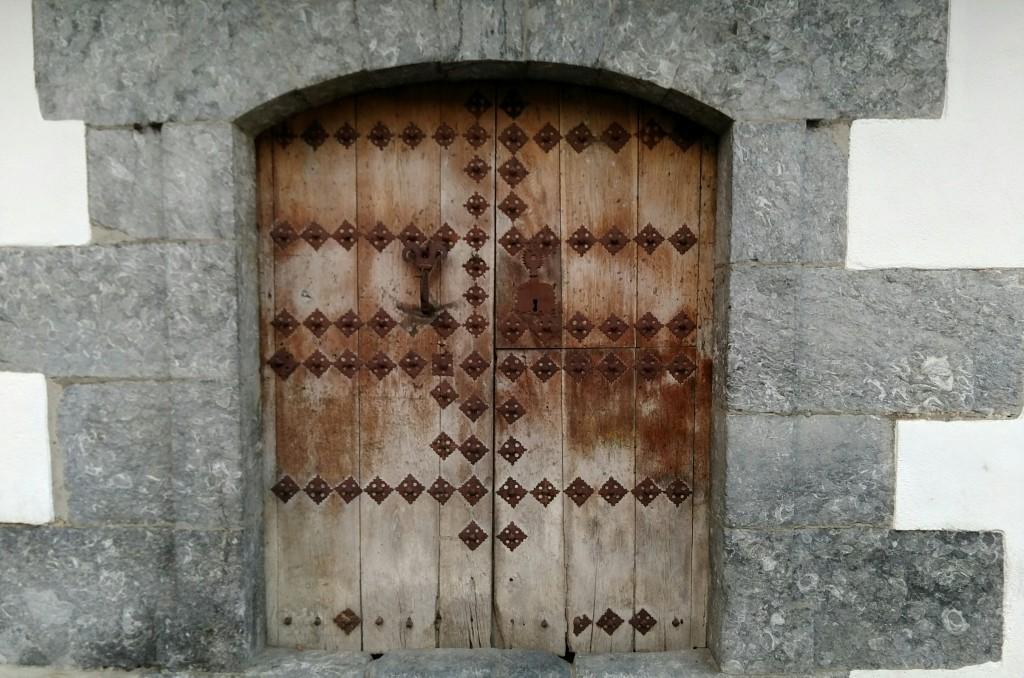 Puerta en Leitza