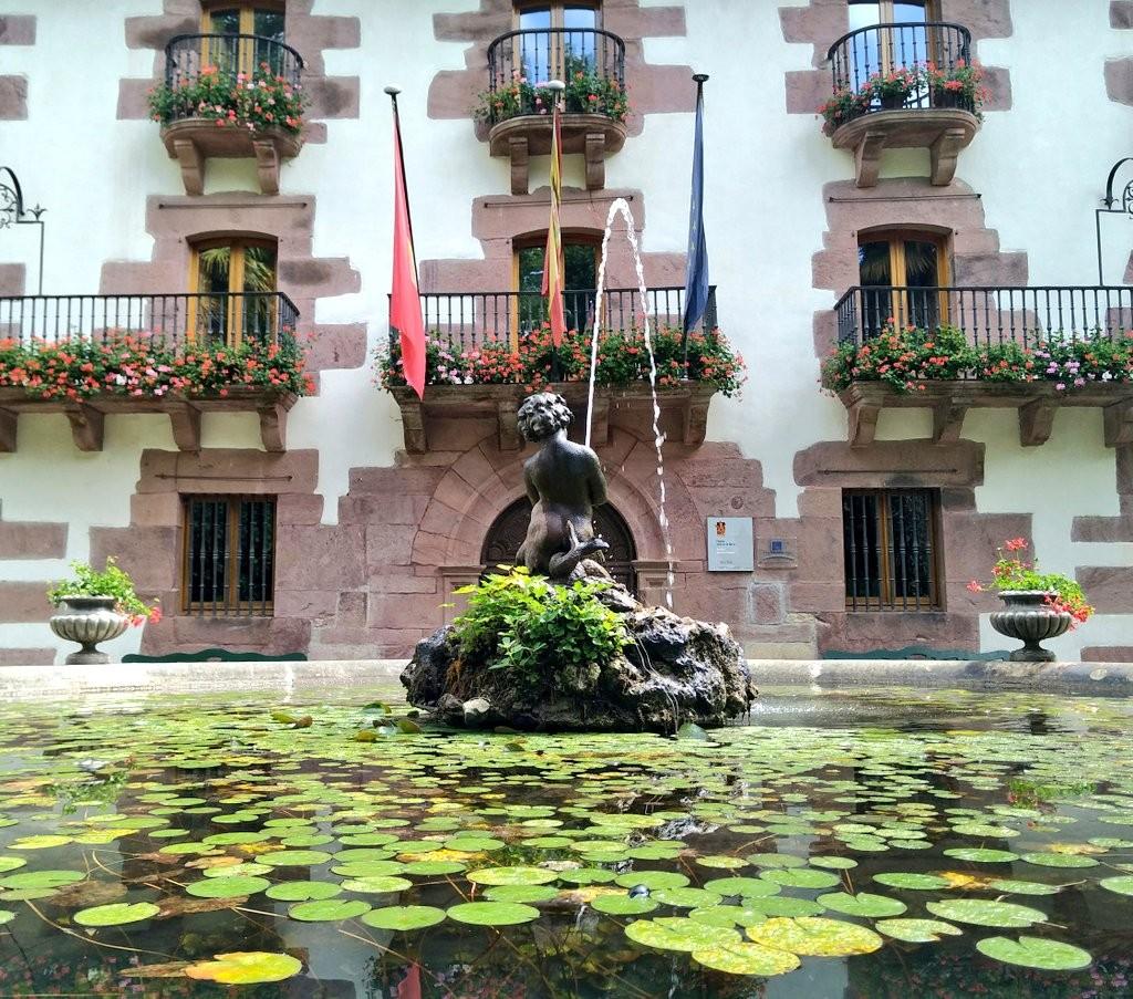 estanque de agua en el jardin del señorio de Bertiz