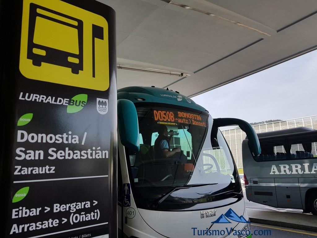 Autobus Donostia en el aeropuerto de Bilbao