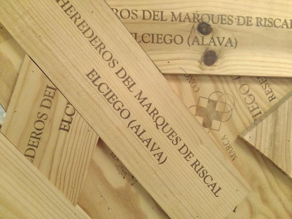 Caja de la bodega Marqués de Riscal