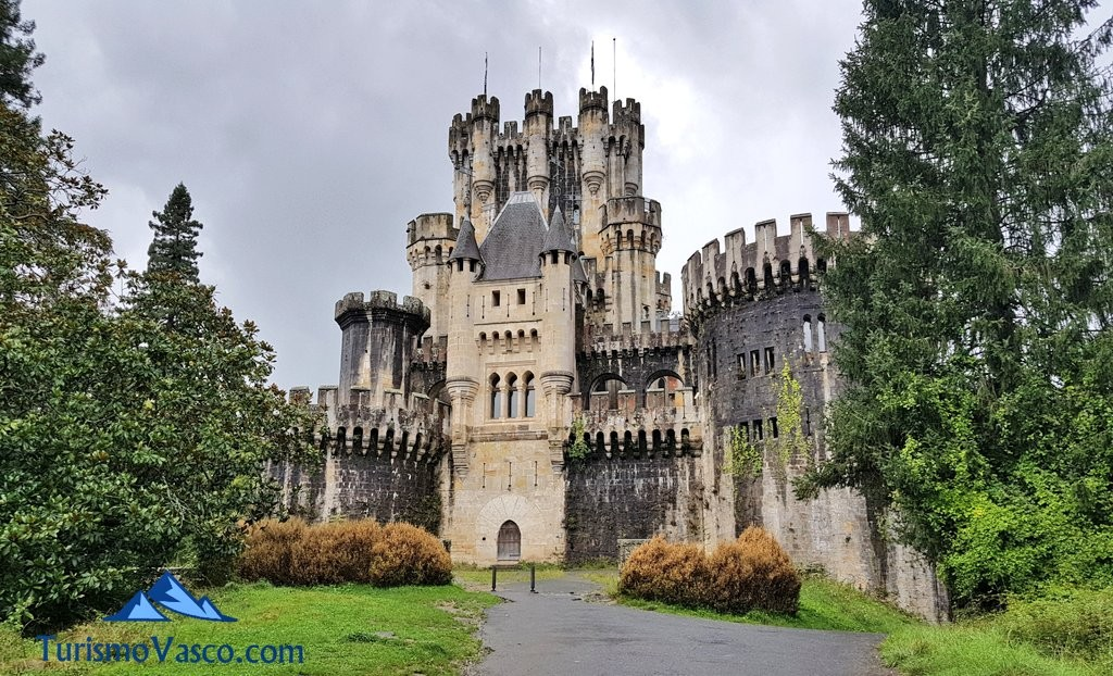 Castillo Butrón desde lejos