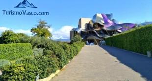 Hotel desde la bodega Marqués de Riscal