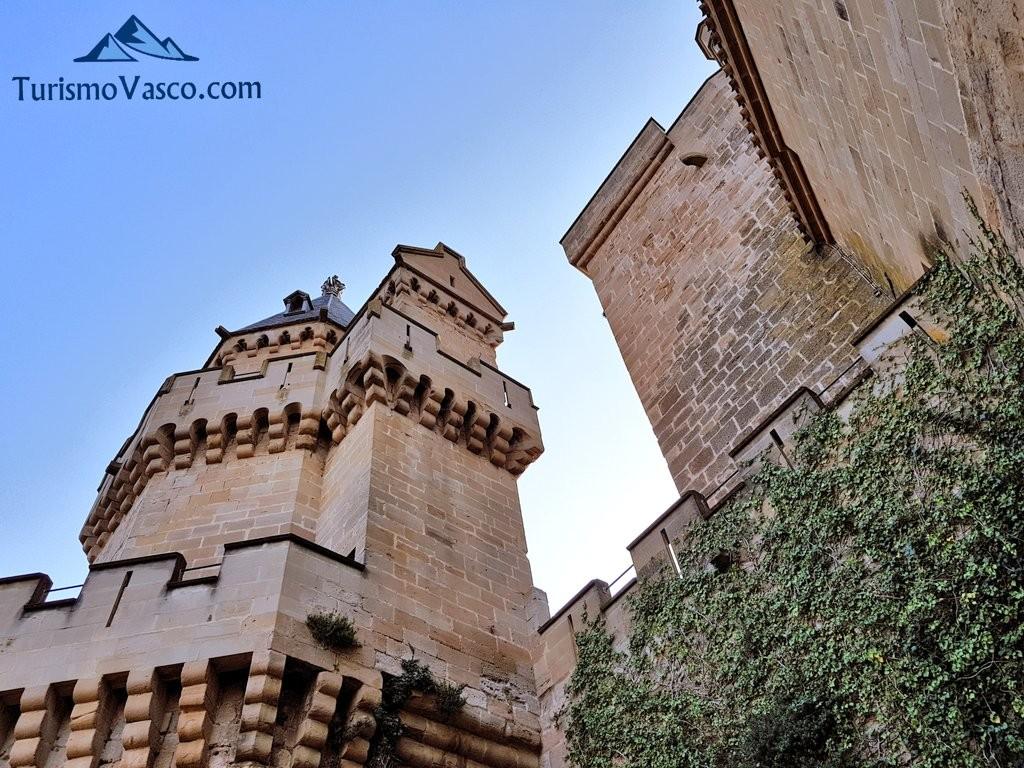Fachada del palacio real de Olite Erriberri