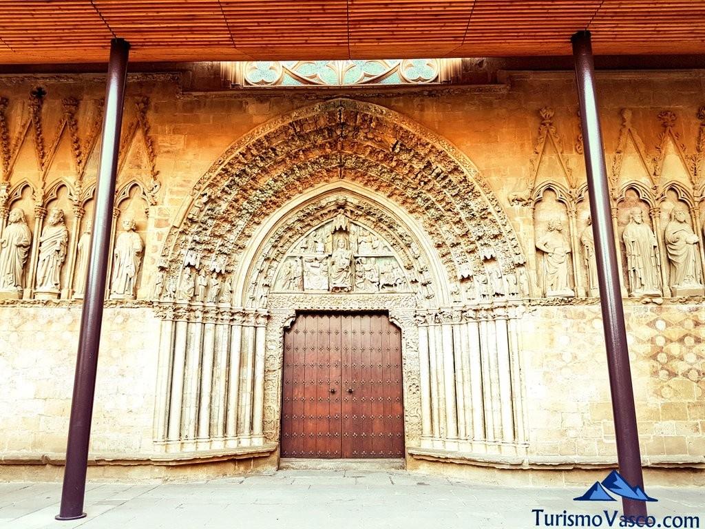 Fachada iglesia santa maria de Olite