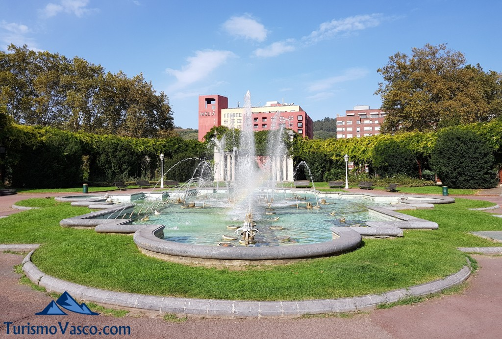 Parque de doña casilda o pato de los patos de Bilbao