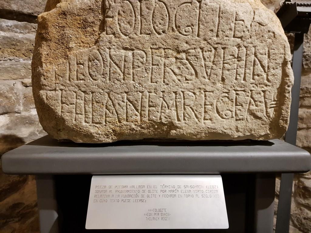 Piedra del origen de Olite en las galerias subterraneas de Olite