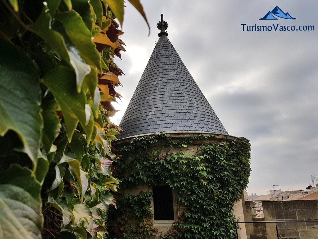 Torre dell palacio real de Olite Erriberri