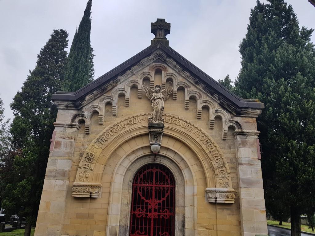 Deposito de cadaveres del cementerio de Bilbao