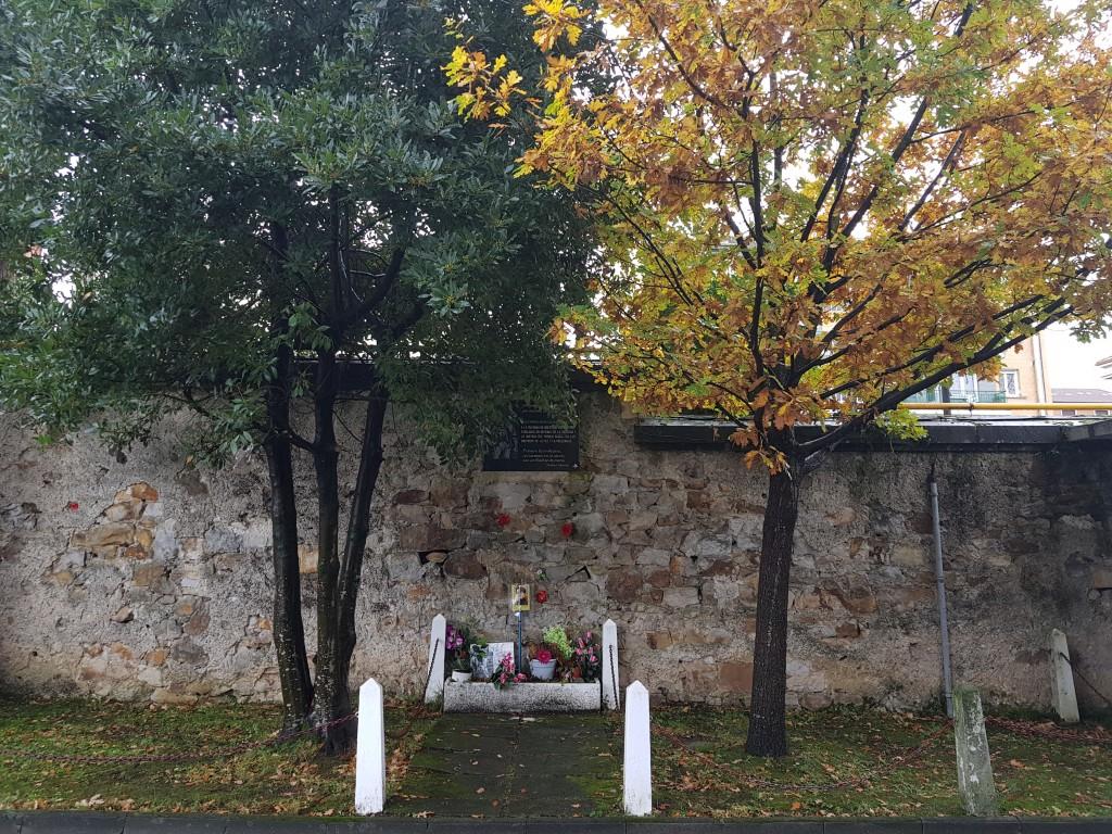 Muro fusilamiento del cementerio de Bilbao