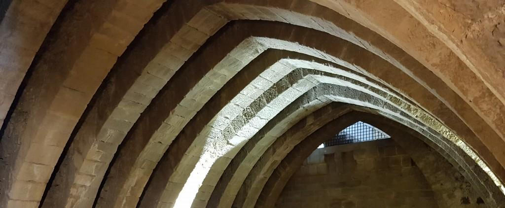 Sala de las arcos, Castillo de Olite