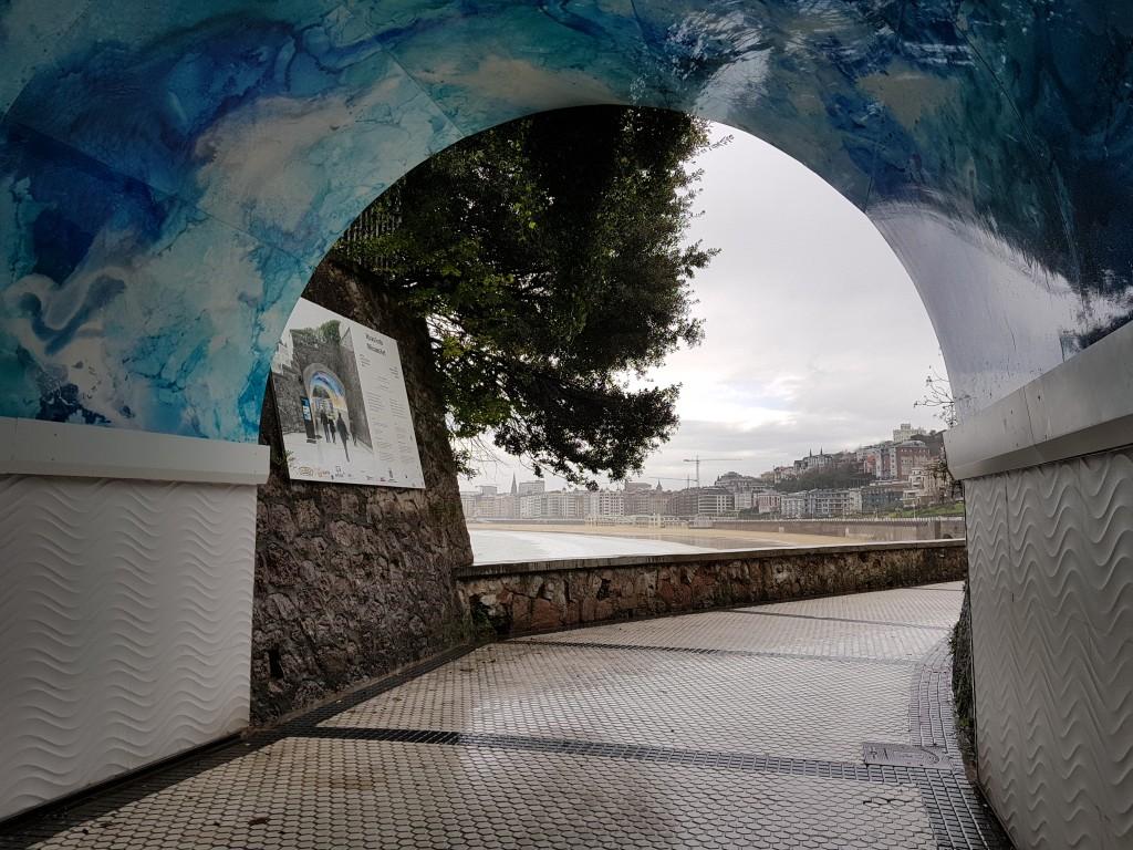 Donostia desde el tunel del Pico del Loro
