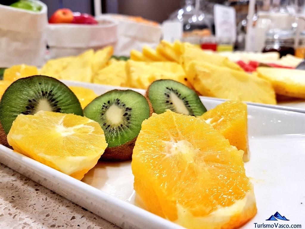 Fruta desayuno NH San Sebastián Aranzazu de Donostia