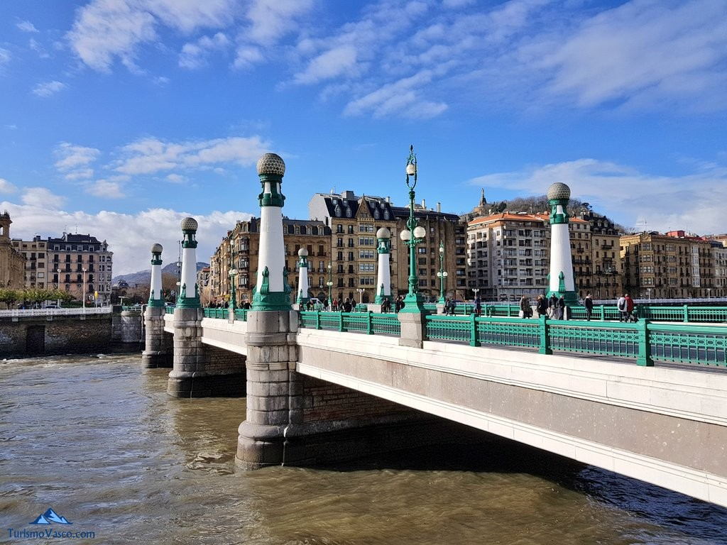 Puente de la Zurriola Donostia
