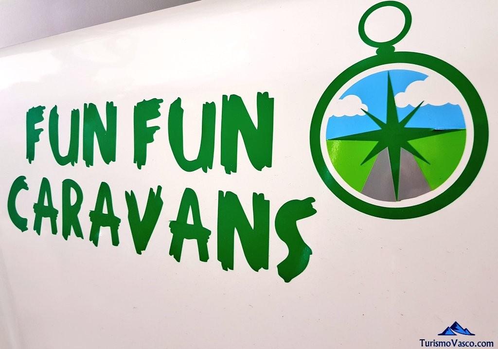 Alquiler de autocaravas en Euskadi, logo Fun Fun Caravans