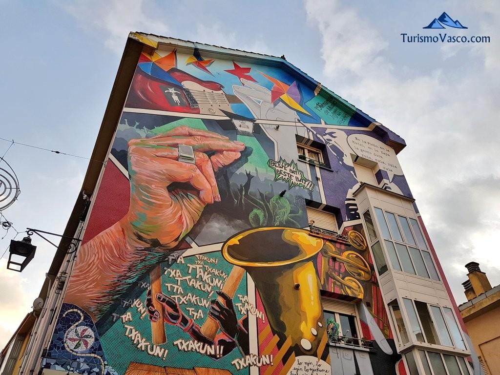 Ruta de los murales Eskuz Esku (Zapatería)