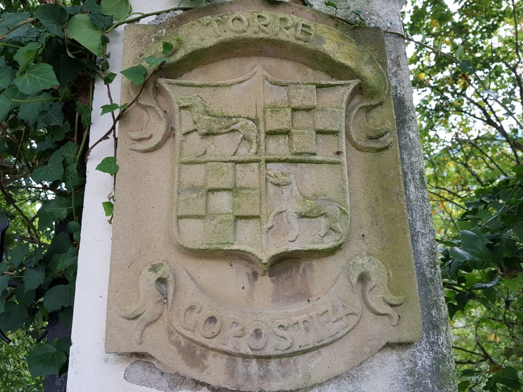 Escudo de la torre Gorostiza, ruta gorostiza el regato en Barakaldo