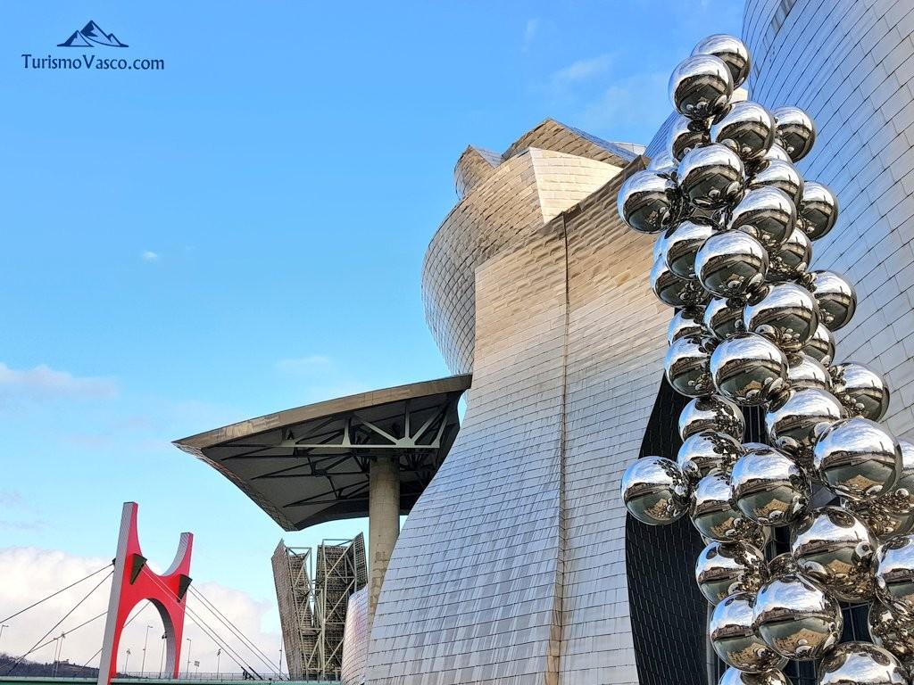 Guggenheim Bilbao, Puente de La Salve