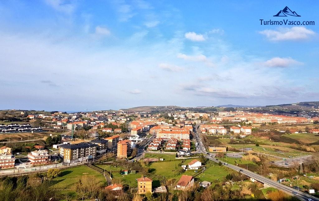 Vistas de Sopela desde el Cinturon de Hierro en Sopela y Berango