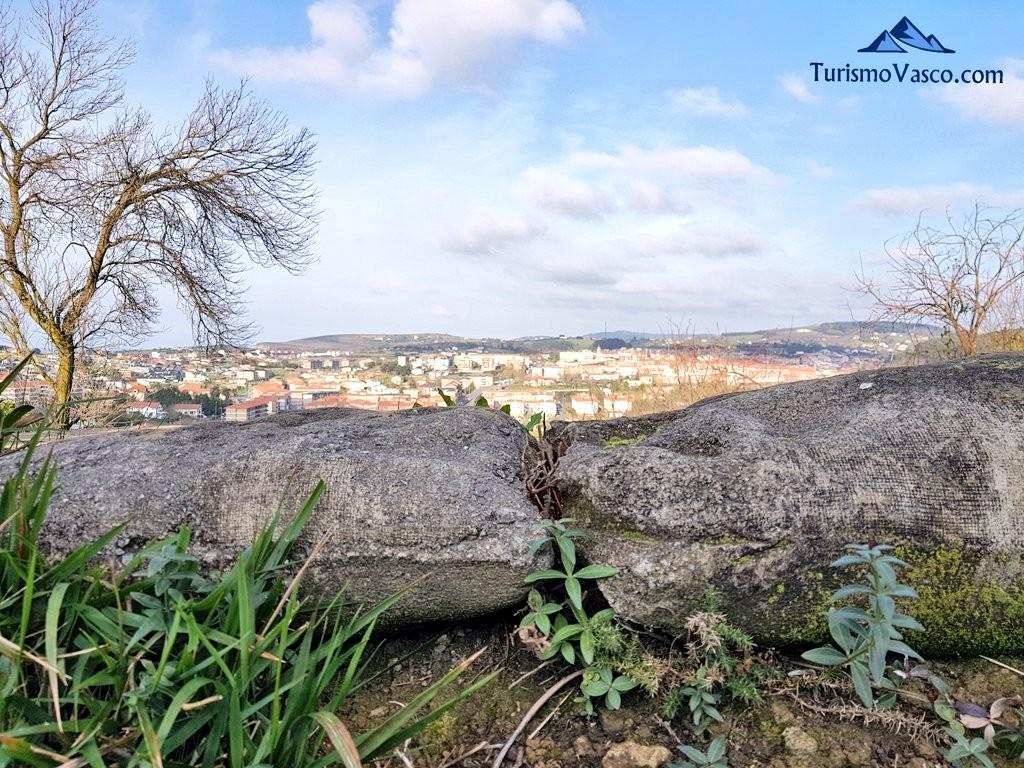 Vistas desde las trincheras del Cinturon de Hierro en Sopela y Berango
