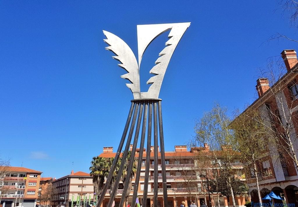 Escultura la palmera en Sopela