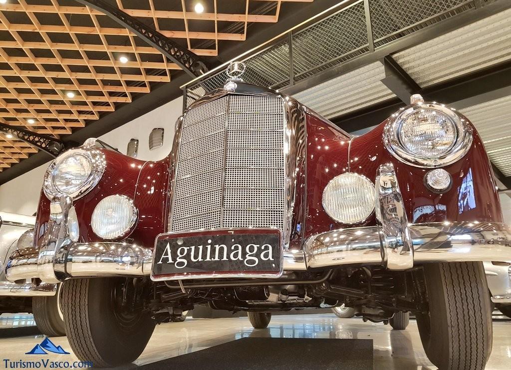 Frontal de un coche en el Museo Aguinaga de Mercedes-Benz