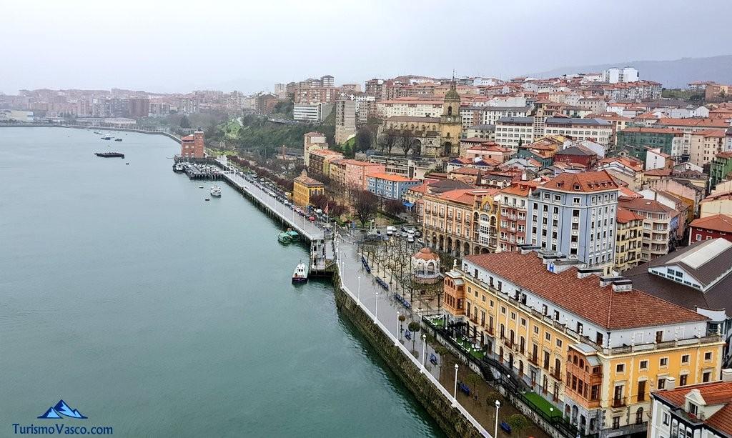 Vistas de Portugalete desde el Puente Bizkaia