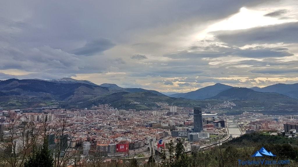 perspectiva panoramica de Bilbao desde Artxanda