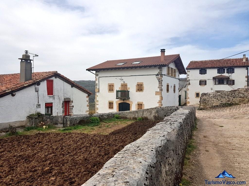 Casas en Arrieta, Valle de Arce, Pirineo Navarro