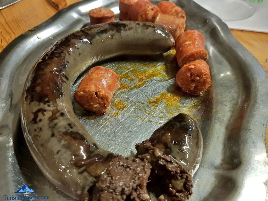 Chorizo y morcilla en sarasola sagardotegia