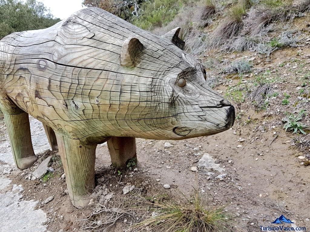 Oso tallado, Jardín Botánico de Santa Catalina