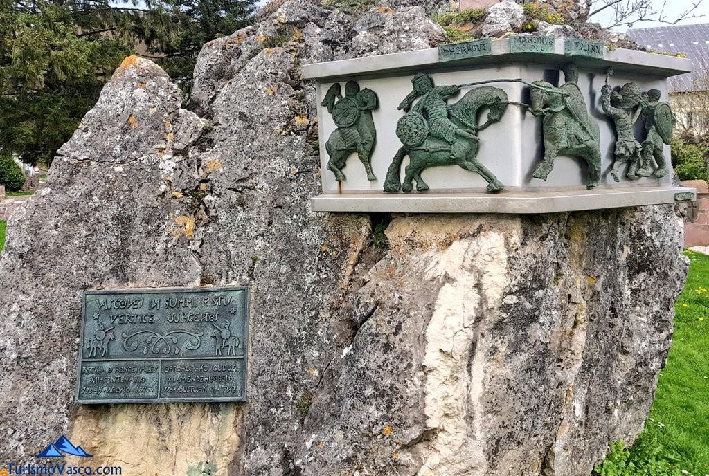escultura en honor a la batalla de Orreaga - Roncesvalles