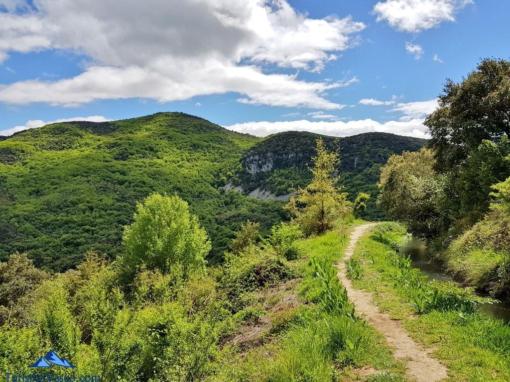Camino de la ruta del agua de Berganzo