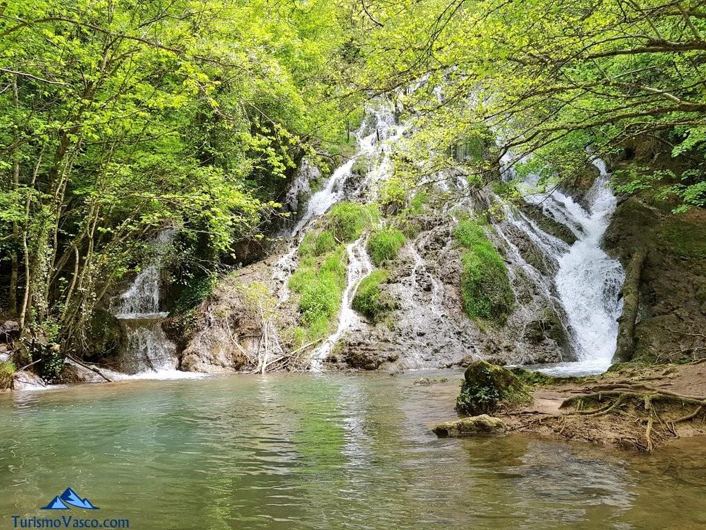 Cascada de las herrerias, la ruta del agua de Berganzo