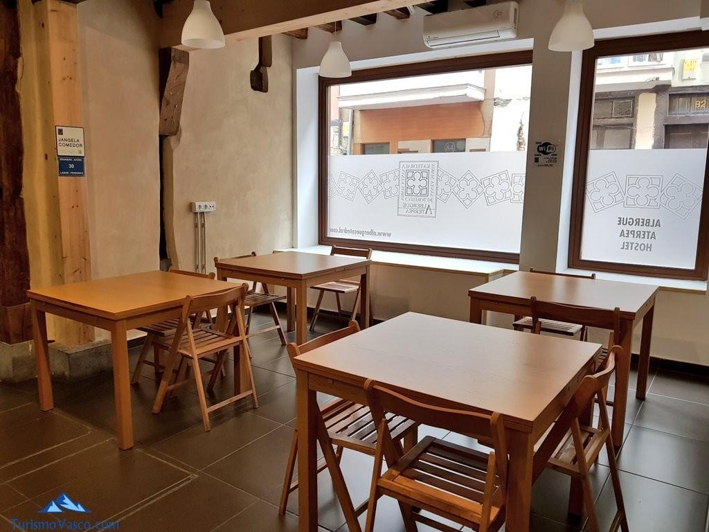 Comedor del albergue de la catedral, Vitoria Gasteiz
