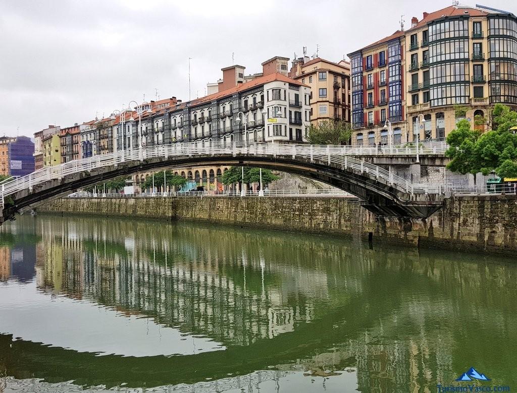 Puente en Bilbao, Casco Viejo, Bilbi