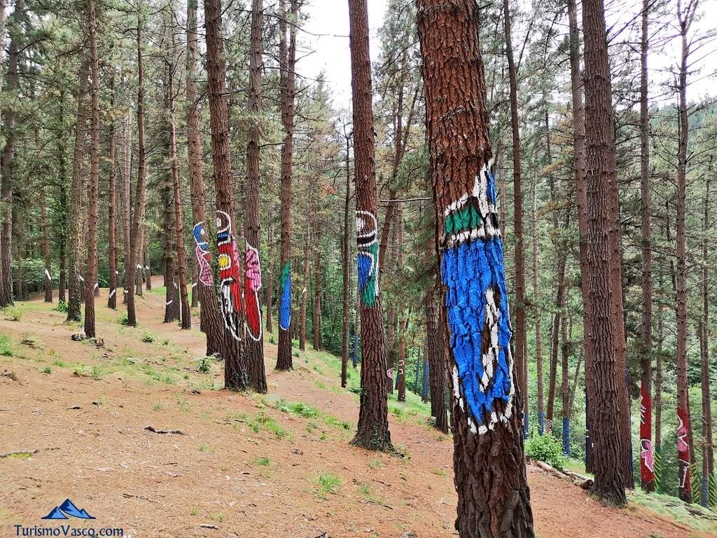 Perspectiva en el Bosque de Oma, el Bosque Pintado