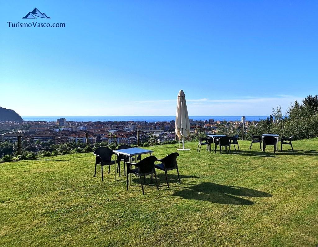 terraza de la Sidreria Arizia Zarautz