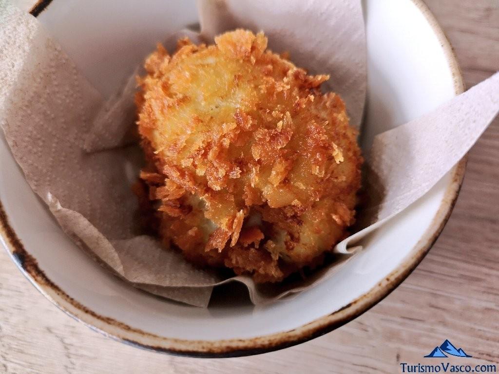 El Curry Verde, croqueta de queso