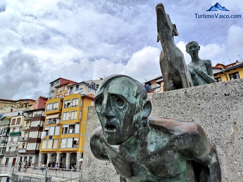 Escultura puerto de Bermeo