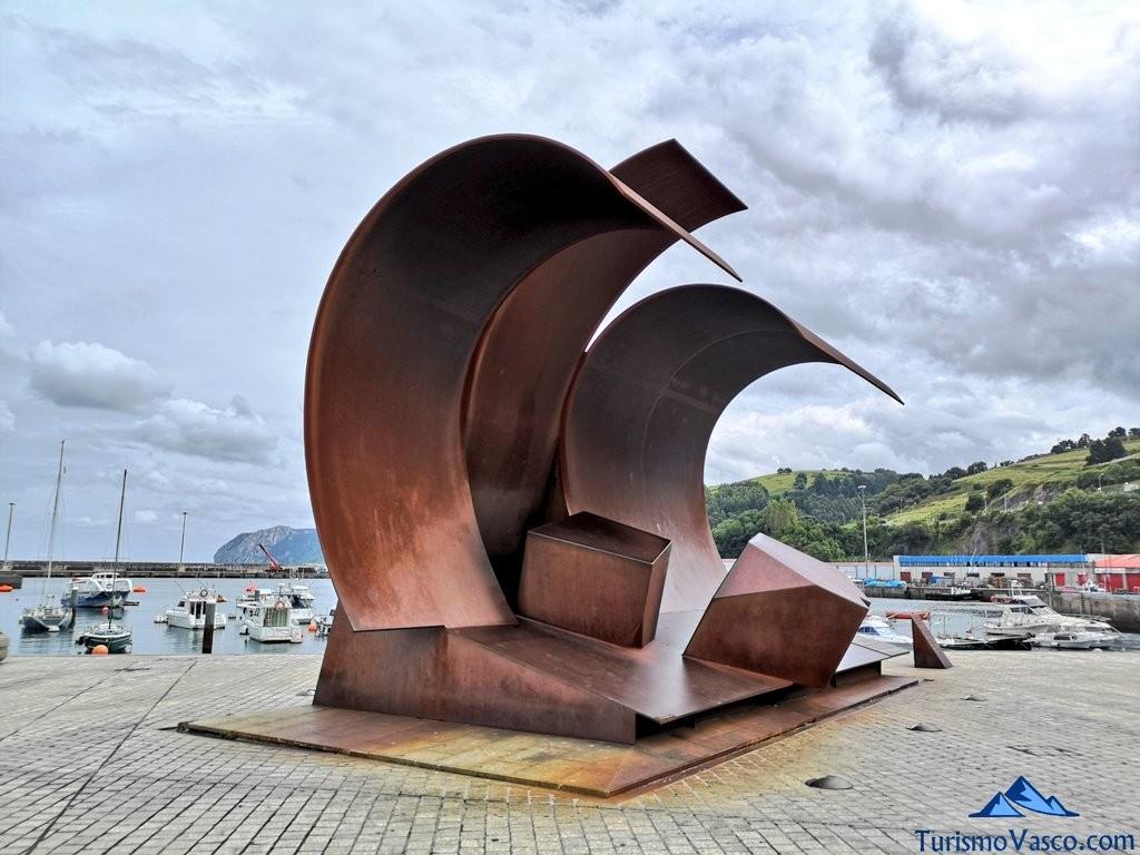 escultura de la ola, bermeo