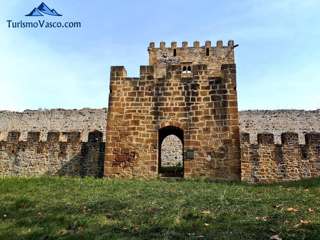 Entrada al Castillo de Muñatones