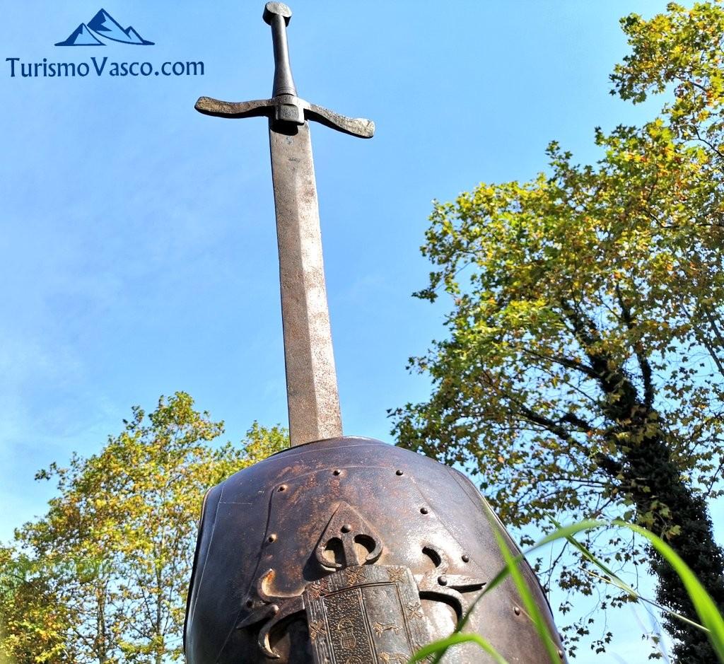 Espada y armadura del Castillo de Muñatones