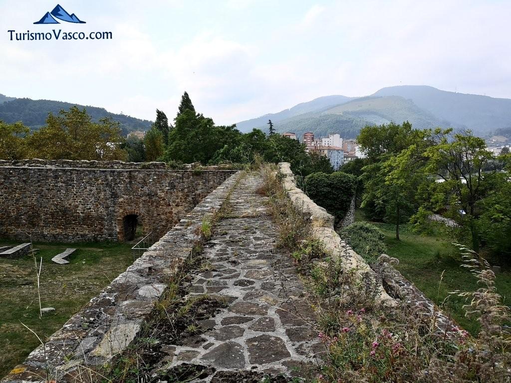 Muros del Castillo de Muñatones