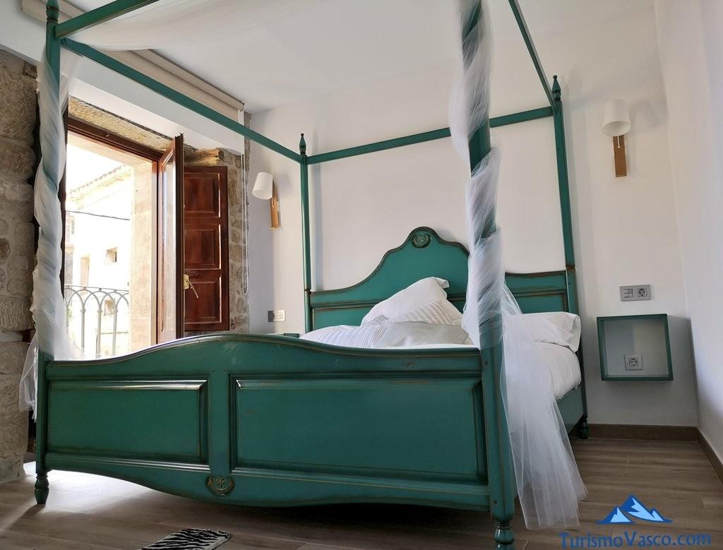 cama, suite casa rural samaniego, casona de alutiz