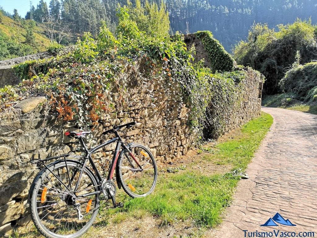 Ruta enkarterri, rutas en bici por Euskadi con Bizkairoute