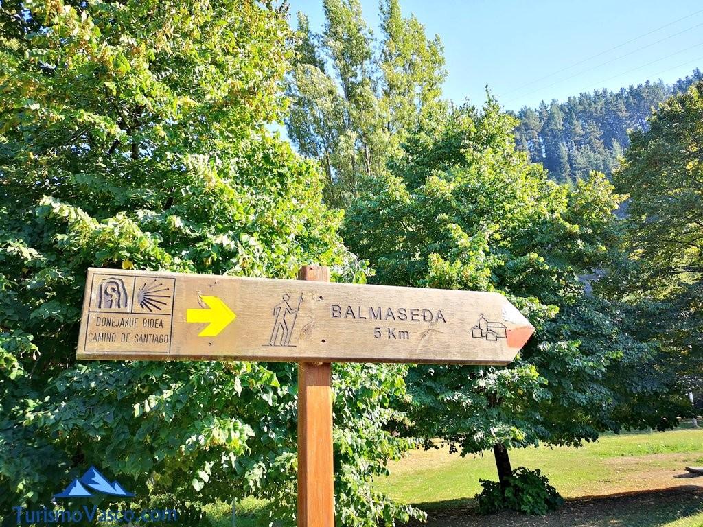 Señal Balmaseda, rutas en bici por Euskadi con Bizkairoute