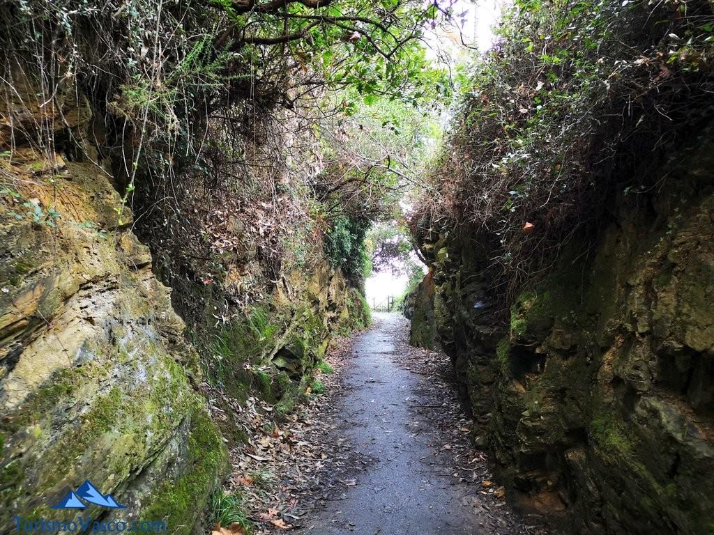 camino con encanto Paseo de Itsaslur, ruta Pobeña Kobaron