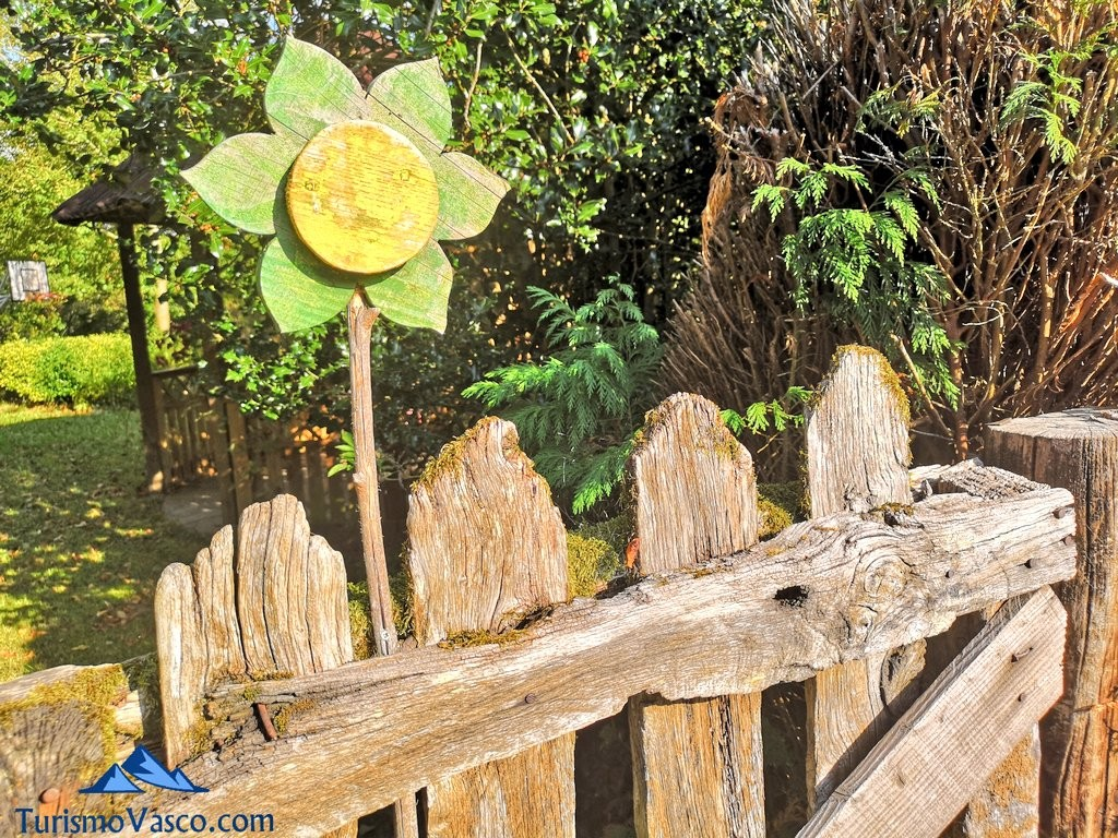 entrada, taller de plantas medicinales en Zeanuri